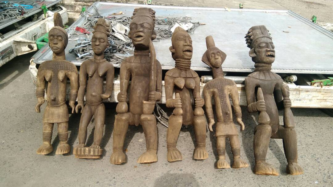 The wooden African antique collection
